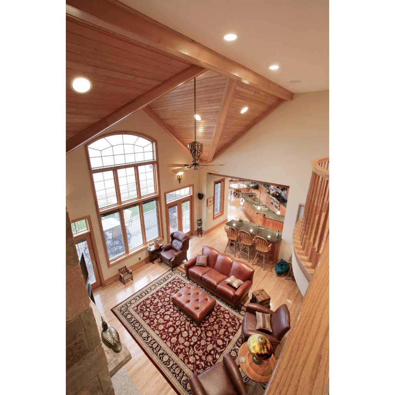 House of Fara 3/4 In. W. x 1/2 In. H. x 8 Ft. L. Solid Red Oak Base Shoe Image 4