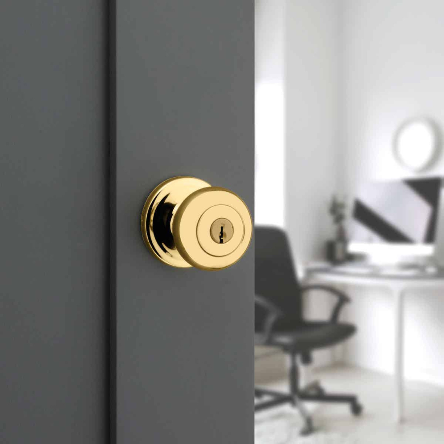 Kwikset Signature Series Polished Brass Juno Entry Door Knob with SmartKey Image 2